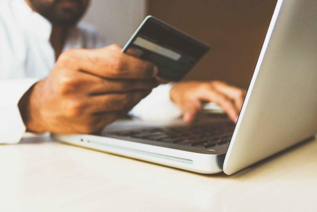E-Commerce & Stationärer Handel