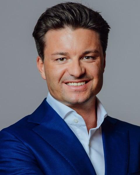 Dr. Sebastian Eckert