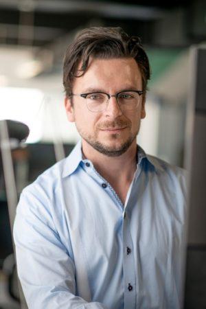 Dr. Florian Neukart